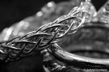 Anello celtico fili metallici intrecciati 3